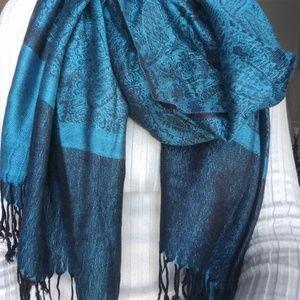 Beautiful Teal/Black Vintage Woven Silk Scarf